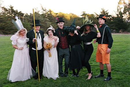 halloween-wedding-guests